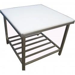 Stół z blatem z tworzywa